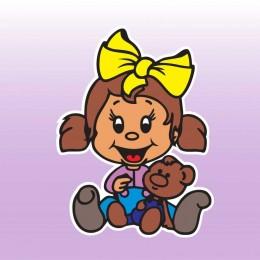 Holka s medvídkem - barevná samolepka dítě v autě